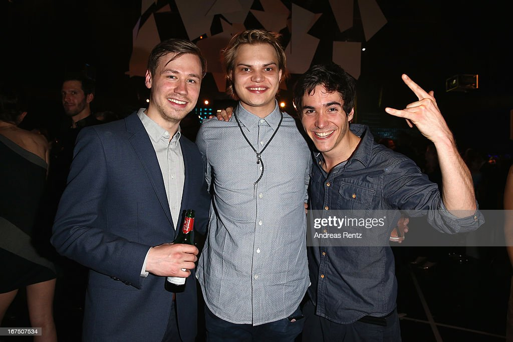 <a gi-track='captionPersonalityLinkClicked' href=/galleries/search?phrase=David+Kross+-+German+Actor&family=editorial&specificpeople=10219873 ng-click='$event.stopPropagation()'>David Kross</a>, Wilson Gonzales Ochsenknecht and Francois Goeske attend the new faces award Film 2013 at Tempodrom on April 25, 2013 in Berlin, Germany.