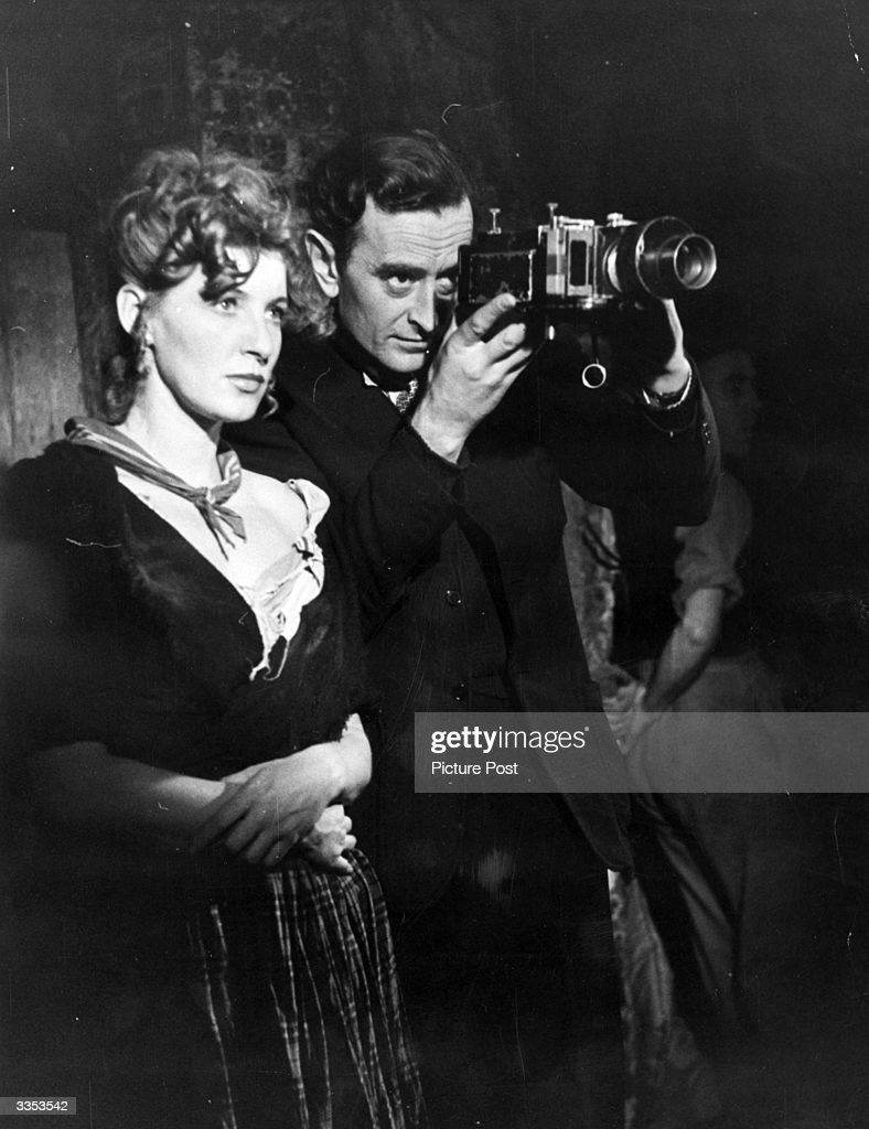 david lean directs pictures getty images david lean 1908 1991 directs actress kay walsh as nancy in lean s film