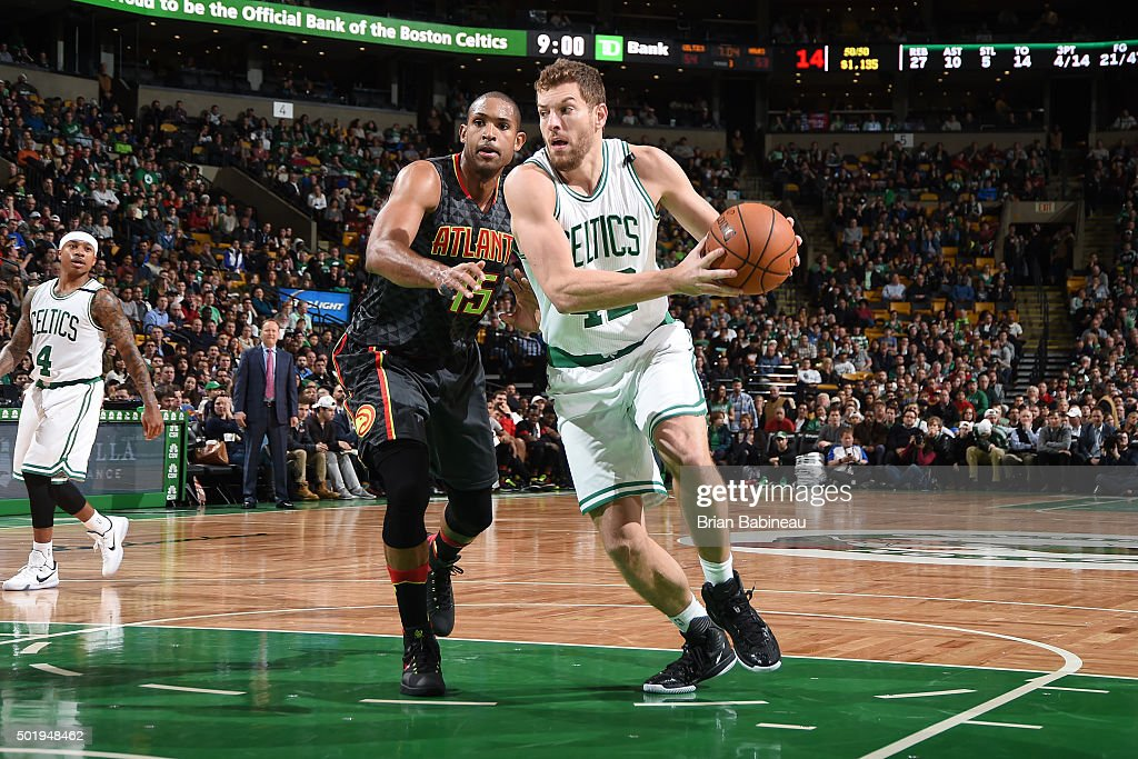 David Lee #42 of the Boston Celtics drives to the basket during the game against the Atlanta Hawks on December 18, 2015 at the TD Garden in Boston, Massachusetts.