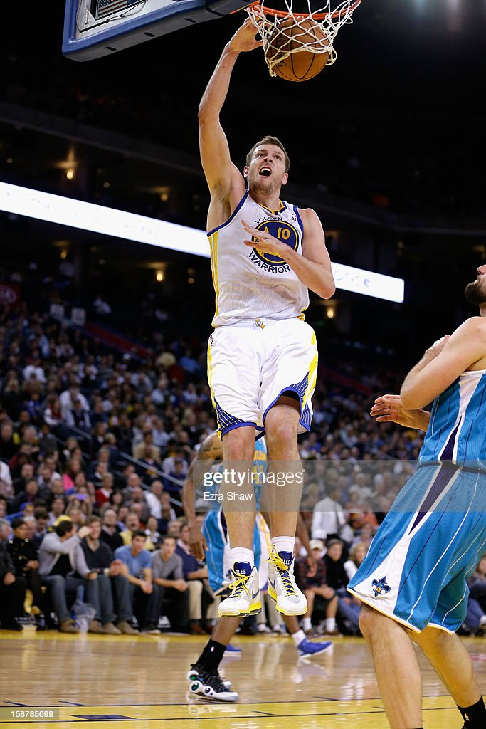 David Lee #10 of the Golden State Warriors in action against the New Orleans Hornets at Oracle Arena on December 18, 2012 in Oakland, California.