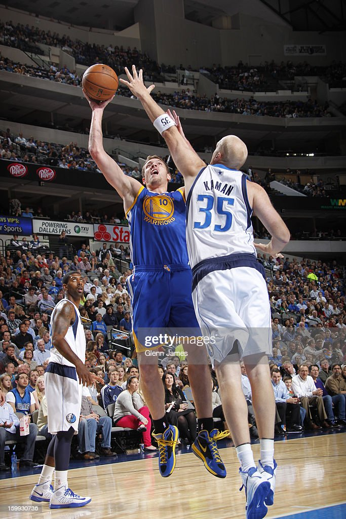 David Lee #10 of the Golden State Warriors puts up a shot against the Dallas Mavericks on November 19, 2012 at the American Airlines Center in Dallas, Texas.