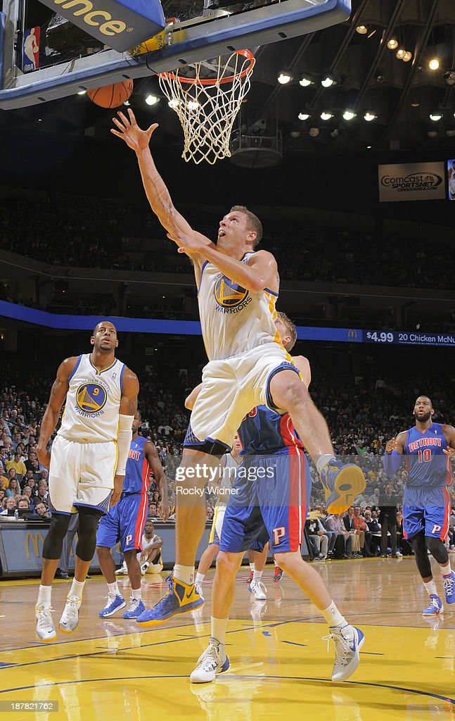 David Lee #10 of the Golden State Warriors shoots against the Detroit Pistons on November 12, 2013 at Oracle Arena in Oakland, California.