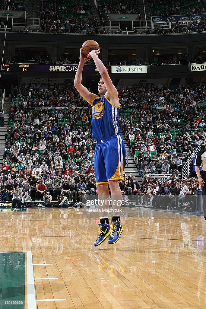 David Lee #10 of the Golden State Warriors shoots against the Utah Jazz at Energy Solutions Arena on February 19, 2013 in Salt Lake City, Utah.