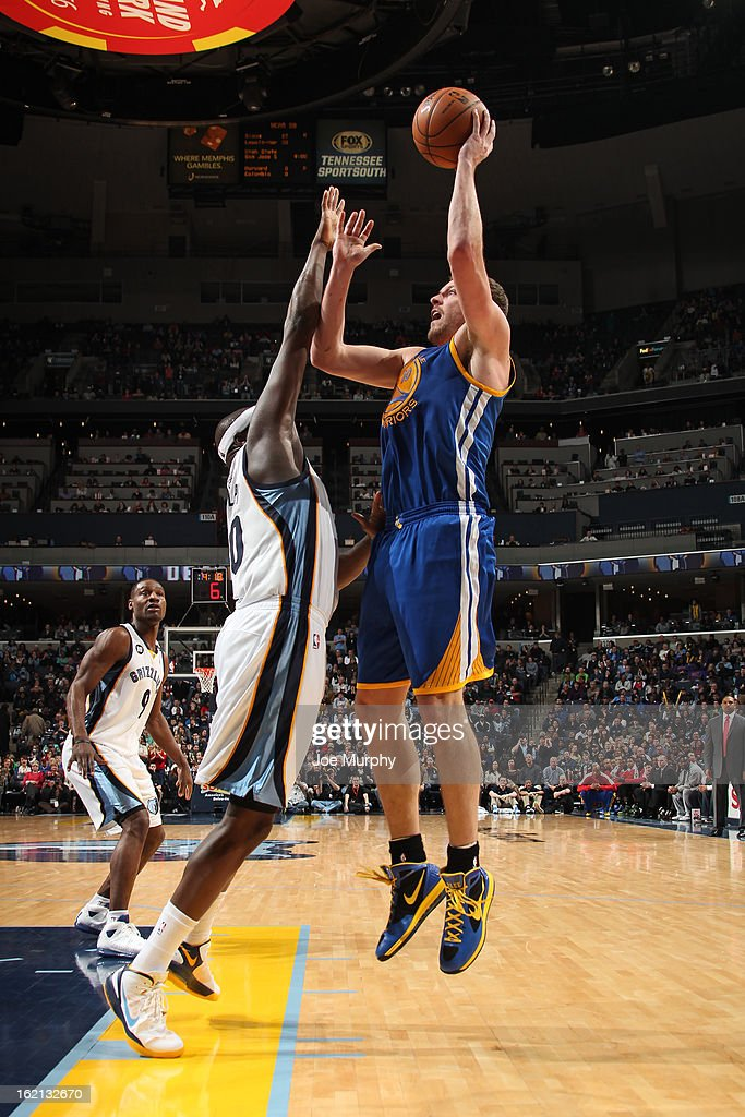 David Lee #10 of the Golden State Warriors shoots over <a gi-track='captionPersonalityLinkClicked' href=/galleries/search?phrase=Zach+Randolph&family=editorial&specificpeople=201595 ng-click='$event.stopPropagation()'>Zach Randolph</a> #50 of the Memphis Grizzlies on February 8, 2013 at FedExForum in Memphis, Tennessee.