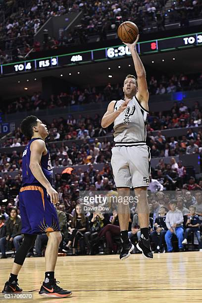 David Lee of the San Antonio Spurs shoots the ball against the Phoenix Suns as part of NBA Global Games at Arena Ciudad de Mexico on January 14 2017...