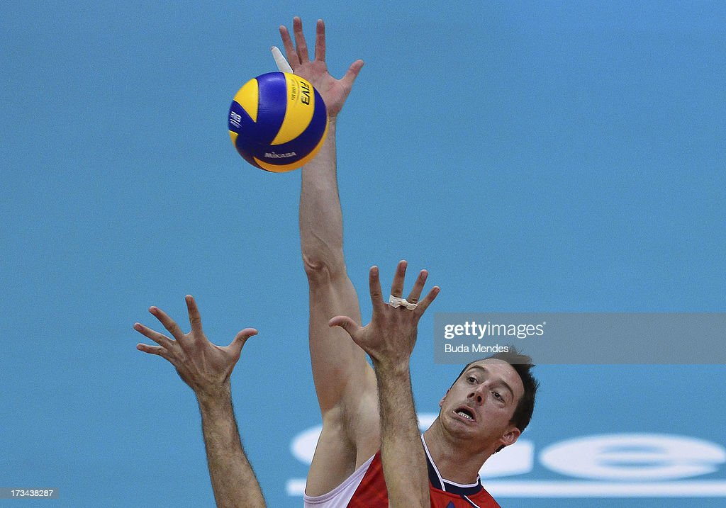 David Lee of USA in action against Brazil during a match between Brazil and USA as part of the FIVB Volleyball World League 2013 at the Maracanazinho gymnasium on July 14, 2013 in Rio de Janeiro, Brazil.