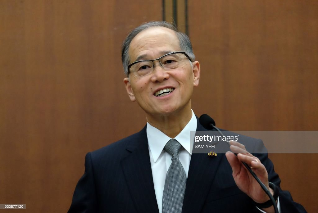 David Lee, Taiwan's newly appointed foreign minister, smiles during a reception at the Ministry of Foreign Affairs (MOFA) in Taipei on May 24, 2016. / AFP / SAM YEH