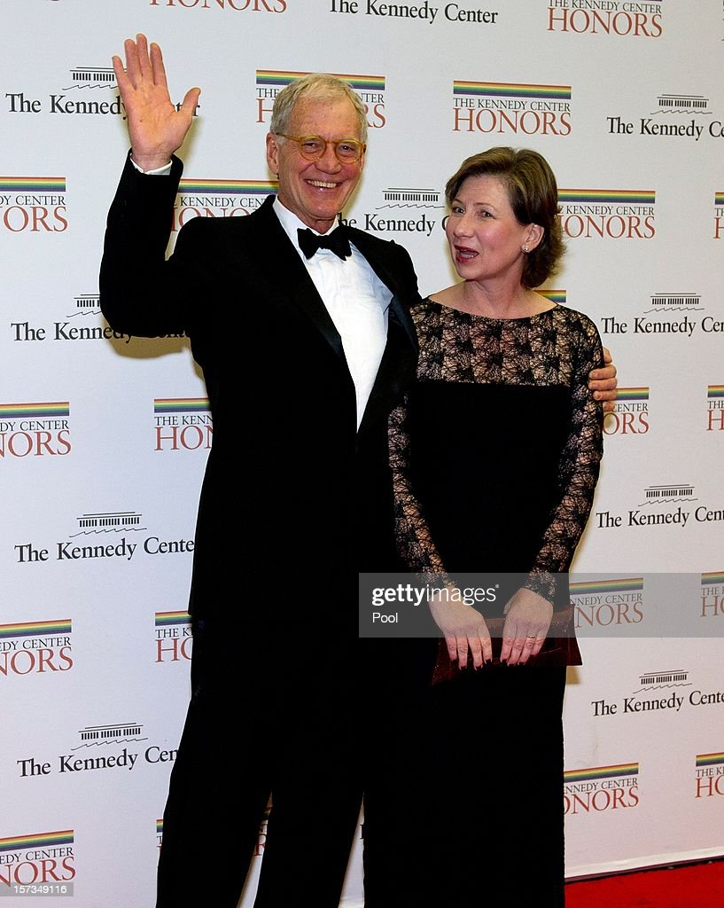 <a gi-track='captionPersonalityLinkClicked' href=/galleries/search?phrase=David+Letterman+-+Fernsehmoderator&family=editorial&specificpeople=171322 ng-click='$event.stopPropagation()'>David Letterman</a> and his wife, Regina arrive for a dinner for Kennedy honorees hosted by U.S. Secretary of State Hillary Rodham Clinton at the U.S. Department of State on December 1, 2012 in Washington, DC. The 2012 honorees are Buddy Guy, actor Dustin Hoffman, late-night host <a gi-track='captionPersonalityLinkClicked' href=/galleries/search?phrase=David+Letterman+-+Fernsehmoderator&family=editorial&specificpeople=171322 ng-click='$event.stopPropagation()'>David Letterman</a>, dancer Natalia Makarova, and members of the British rock band Led Zeppelin Robert Plant, Jimmy Page, and John Paul Jones.