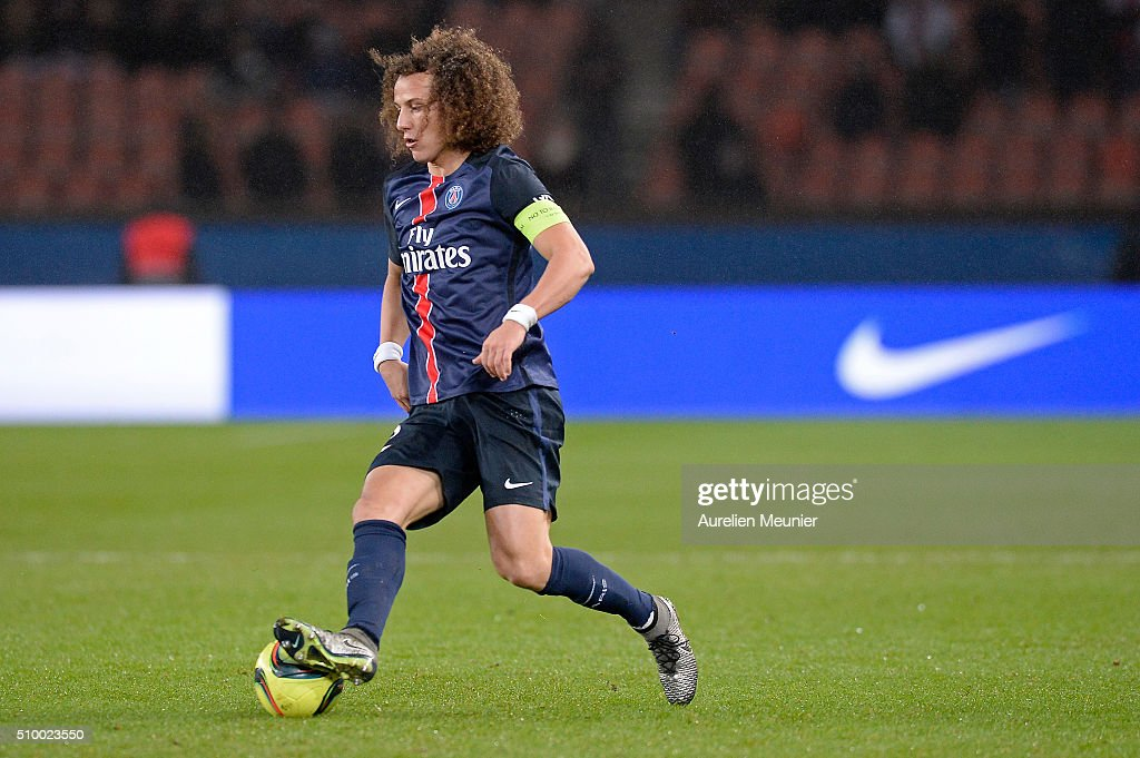 <a gi-track='captionPersonalityLinkClicked' href=/galleries/search?phrase=David+Luiz&family=editorial&specificpeople=4133397 ng-click='$event.stopPropagation()'>David Luiz</a> of Paris Saint-Germain runs with the ball during the Ligue 1 game between Paris Saint-Germain and Lille OSC at Parc des Princes on February 13, 2016 in Paris, France.