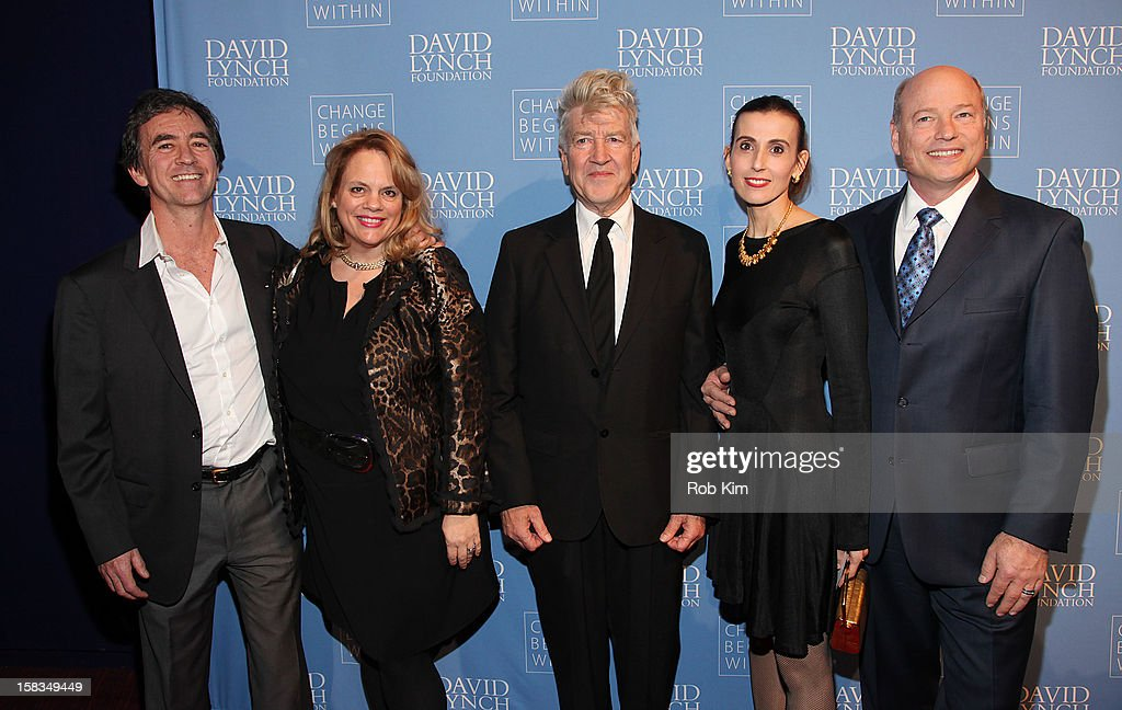 <a gi-track='captionPersonalityLinkClicked' href=/galleries/search?phrase=David+Lynch&family=editorial&specificpeople=224589 ng-click='$event.stopPropagation()'>David Lynch</a> (C) attends 'An Intimate Night of Jazz' hosted by The <a gi-track='captionPersonalityLinkClicked' href=/galleries/search?phrase=David+Lynch&family=editorial&specificpeople=224589 ng-click='$event.stopPropagation()'>David Lynch</a> Foundation at Frederick P. Rose Hall, Jazz at Lincoln Center on December 13, 2012 in New York City.