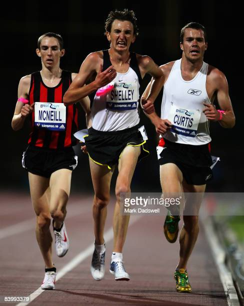 David McNeill of Vic Michael Shelley of QLD and Bobby Curtis of the USA run together in the Mens Zatopek 10000 Metres during the Zatopek Classic...