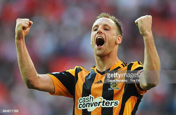 David Meyler of Hull City celebrates their victory after the FA Cup SemiFinal match between Hull City and Sheffield United at Wembley Stadium on...