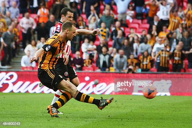 David Meyler of Hull City scores their fifth goal during the FA Cup SemiFinal match between Hull City and Sheffield United at Wembley Stadium on...