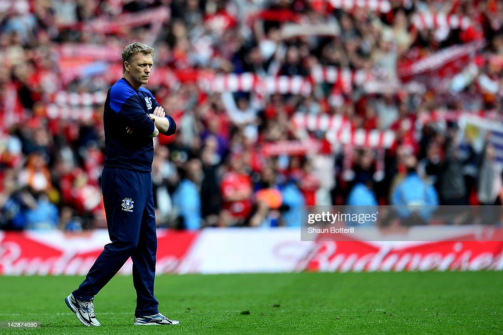 David Moyes manager of Everton looks dejected after defeat in the FA Cup with Budweiser Semi Final match between Liverpool and Everton at Wembley Stadium on April 14, 2012 in London, England.