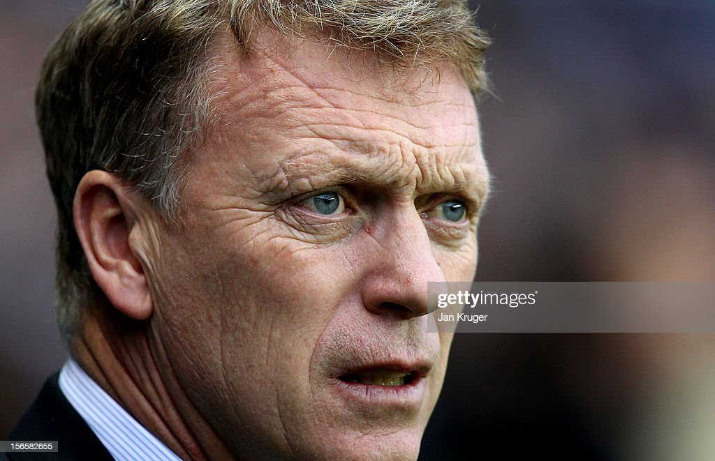 David Moyes, Manager of Everton looks on during the Barclays Premier League match between Reading and Everton at Madejski Stadium on November 17, 2012 in Reading, England.