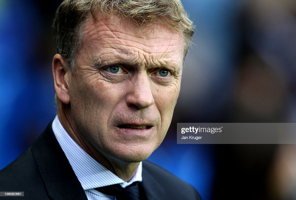 <a gi-track='captionPersonalityLinkClicked' href=/galleries/search?phrase=David+Moyes&family=editorial&specificpeople=215482 ng-click='$event.stopPropagation()'>David Moyes</a>, Manager of Everton looks on during the Barclays Premier League match between Reading and Everton at Madejski Stadium on November 17, 2012 in Reading, England.