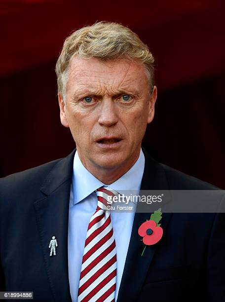 David Moyes Manager of Sunderland looks on prior to the Premier League match between Sunderland and Arsenal at the Stadium of Light on October 29...