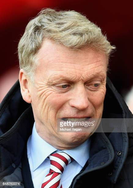 David Moyes Manager of Sunderland looks on prior to the Premier League match between Sunderland and Manchester City at Stadium of Light on March 5...