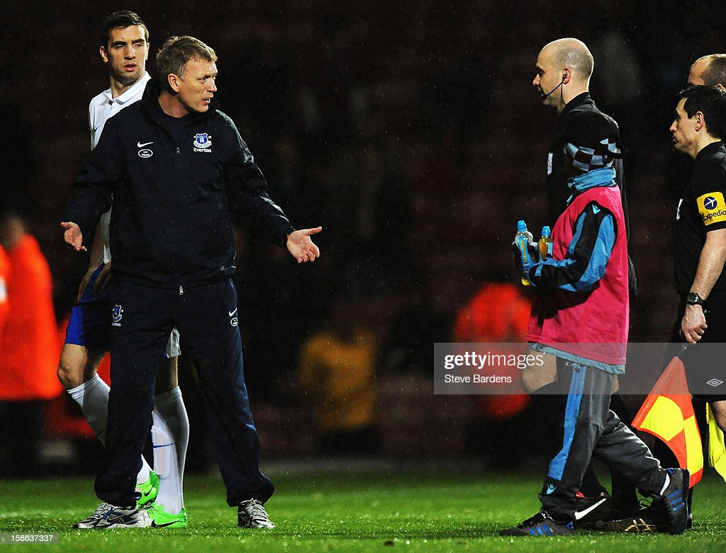 <a gi-track='captionPersonalityLinkClicked' href=/galleries/search?phrase=David+Moyes&family=editorial&specificpeople=215482 ng-click='$event.stopPropagation()'>David Moyes</a> the Everton manager talks to match referee Anthony Taylor as he walks off at the end of the Barclays Premier League match between West Ham United and Everton at the Boleyn Ground on December 22, 2012 in London, England.