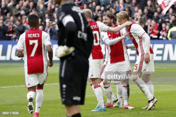 David Neres of Ajax goalkeeper Erwin Mulder of sc Heerenveen Davy Klaassen of Ajax Lasse Schone of Ajax Kasper Dolberg of Ajaxduring the Dutch...