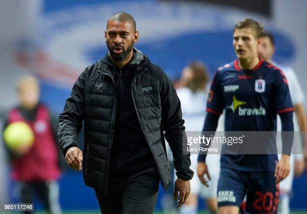 David Nielsen head coach of AGF Aarhus leaving the pitch after first half during the Danish Alka Superliga match between FC Copenhagen and AGF Aarhus...