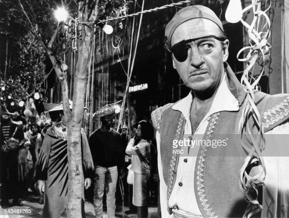 THE ROGUES David Niven as Alexander 'Alec' Fleming