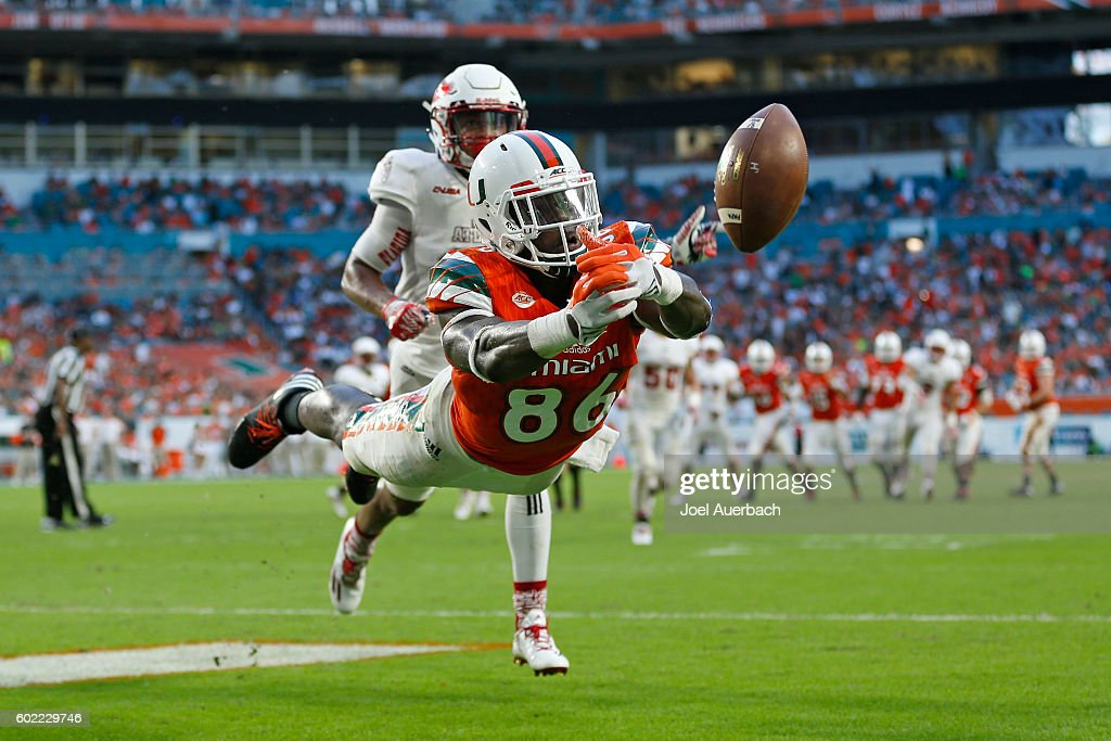David Njoku #86 is unable to catch the pass for a touchdown thrown by Brad Kaaya #15 (not pictured) of the Miami Hurricanes during second quarter action against the Florida Atlantic Owls on September 10, 2016 at Hard Rock Stadium in Miami Gardens, Florida.