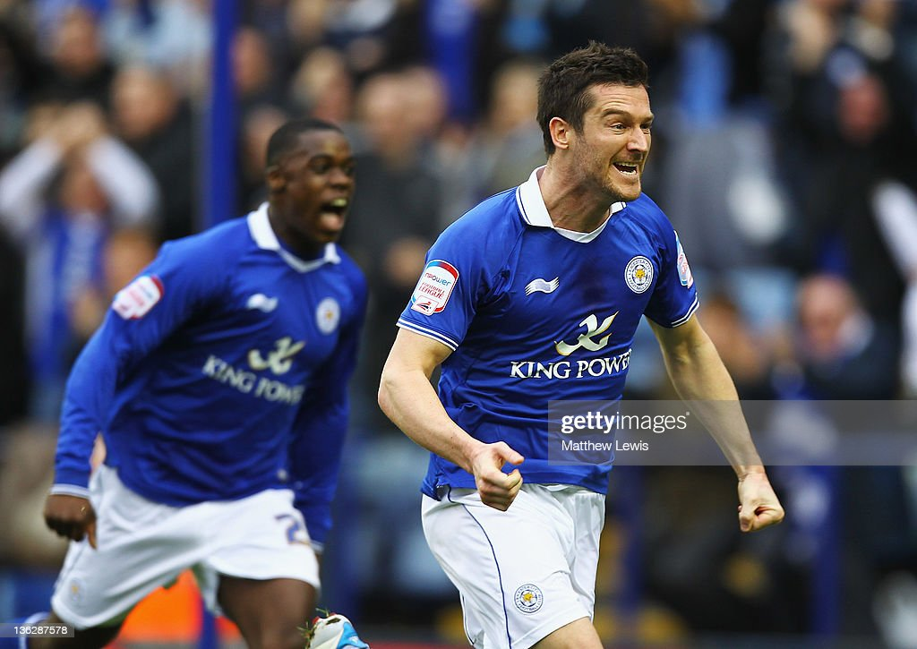 <a gi-track='captionPersonalityLinkClicked' href=/galleries/search?phrase=David+Nugent+-+Soccer+Player&family=editorial&specificpeople=644849 ng-click='$event.stopPropagation()'>David Nugent</a> of Leicester celebrates his goal during the npower Championship match between Leicester City and Portsmouth at The King Power Stadium on December 31, 2011 in Leicester, England.