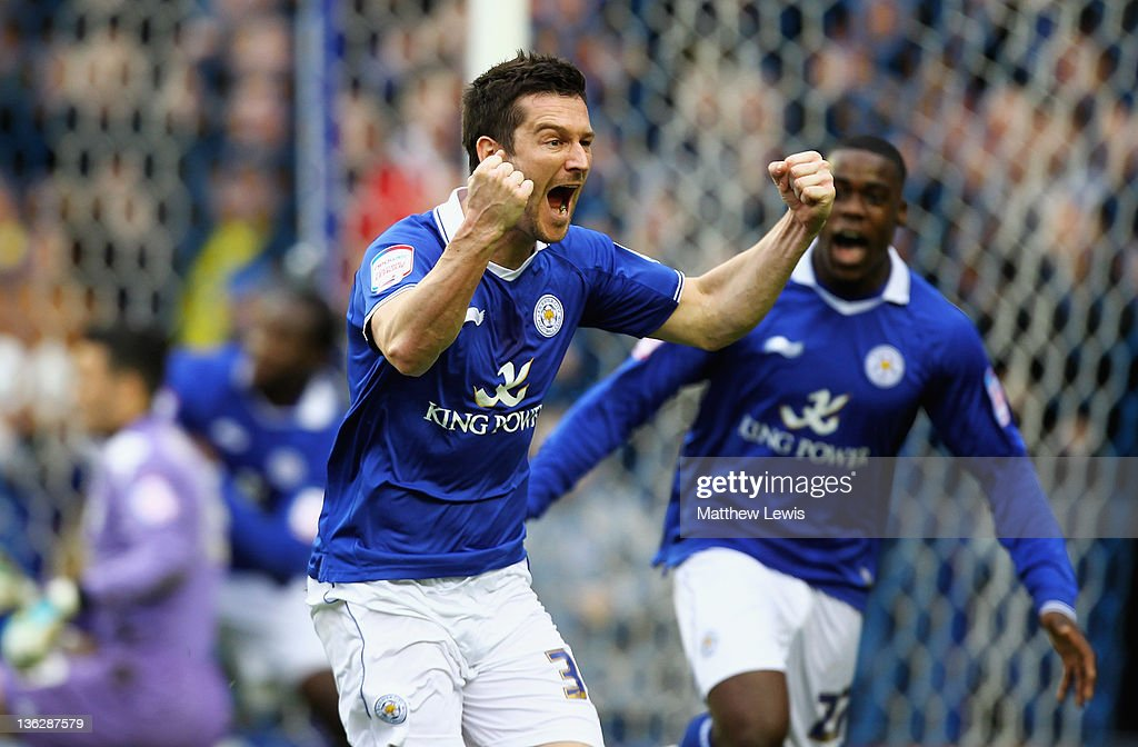 <a gi-track='captionPersonalityLinkClicked' href=/galleries/search?phrase=David+Nugent+-+Voetballer&family=editorial&specificpeople=644849 ng-click='$event.stopPropagation()'>David Nugent</a> of Leicester celebrates his goal during the npower Championship match between Leicester City and Portsmouth at The King Power Stadium on December 31, 2011 in Leicester, England.
