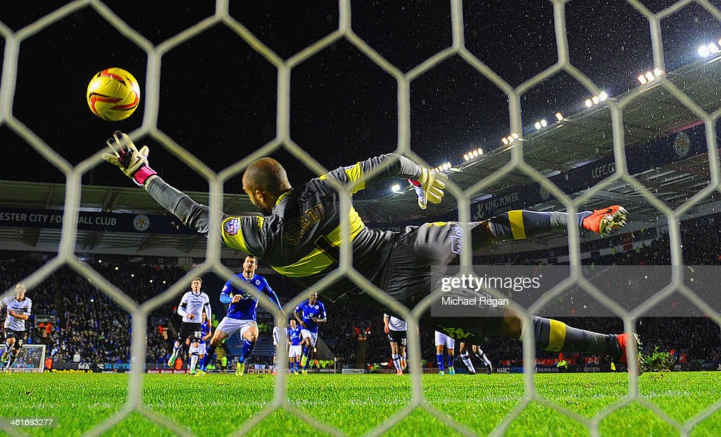 <a gi-track='captionPersonalityLinkClicked' href=/galleries/search?phrase=David+Nugent+-+Soccer+Player&family=editorial&specificpeople=644849 ng-click='$event.stopPropagation()'>David Nugent</a> of Leicester scores a penalty to make it 3-1 the Sky Bet Championship match between Leicester City and Derby County at The King Power Stadium on January 10, 2014 in Leicester, England.