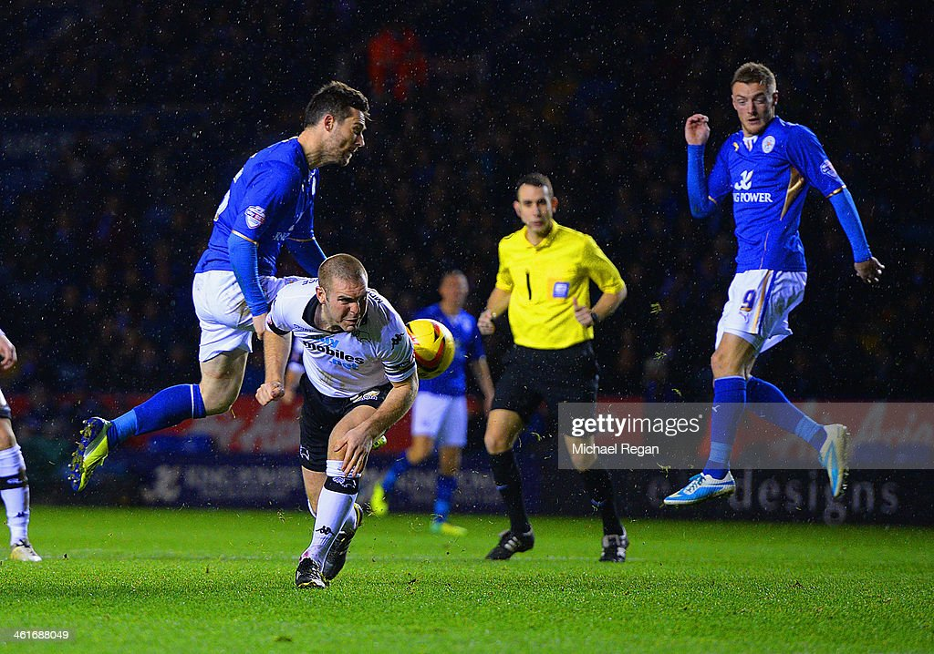 <a gi-track='captionPersonalityLinkClicked' href=/galleries/search?phrase=David+Nugent+-+Soccer+Player&family=editorial&specificpeople=644849 ng-click='$event.stopPropagation()'>David Nugent</a> of Leicester scores to make it 2-0 the Sky Bet Championship match between Leicester City and Derby County at The King Power Stadium on January 10, 2014 in Leicester, England.