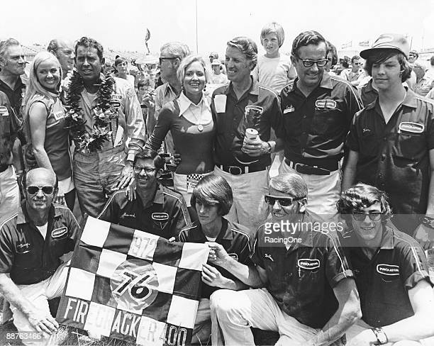 David Pearson and the Wood Brothers crew following the Firecracker 400 Pearson accomplished a 4foot threecar finish win with the top three cars three...
