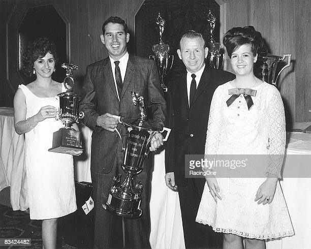 David Pearson won his first national championship in 1966 over rookie James Hylton It was the second straight year a rookie driver was runnerup in...