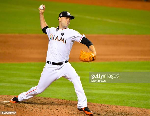 David Phelps of the Miami Marlins in action during the game between the Miami Marlins and the Los Angeles Dodgers at Marlins Park on July 14 2017 in...