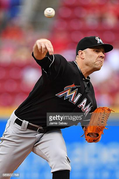 David Phelps of the Miami Marlins pitches in the first inning against the Cincinnati Reds at Great American Ball Park on August 15 2016 in Cincinnati...