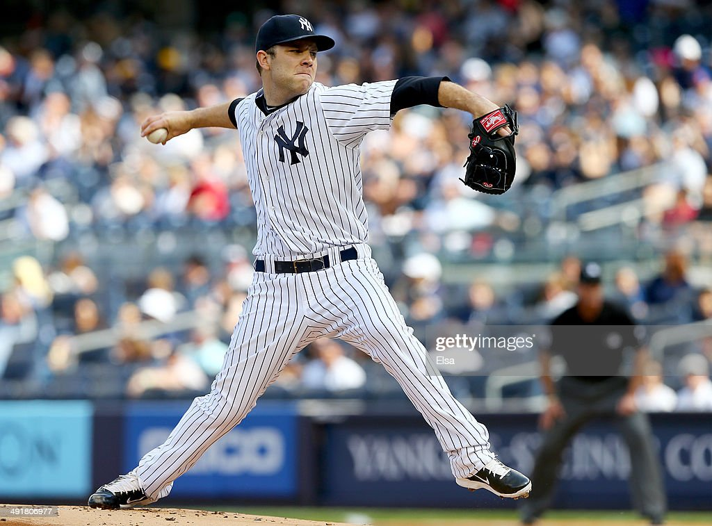 David Phelps #41 of the New York Yankees delivers a pitch in the first inning against the Pittsburgh Pirates on May 17, 2014 at Yankee Stadium in the Bronx borough of New York City.