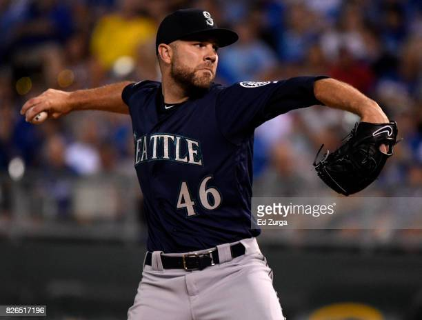 David Phelps of the Seattle Mariners throws in the seventh inning against the Kansas City Royals at Kauffman Stadium on August 4 2017 in Kansas City...