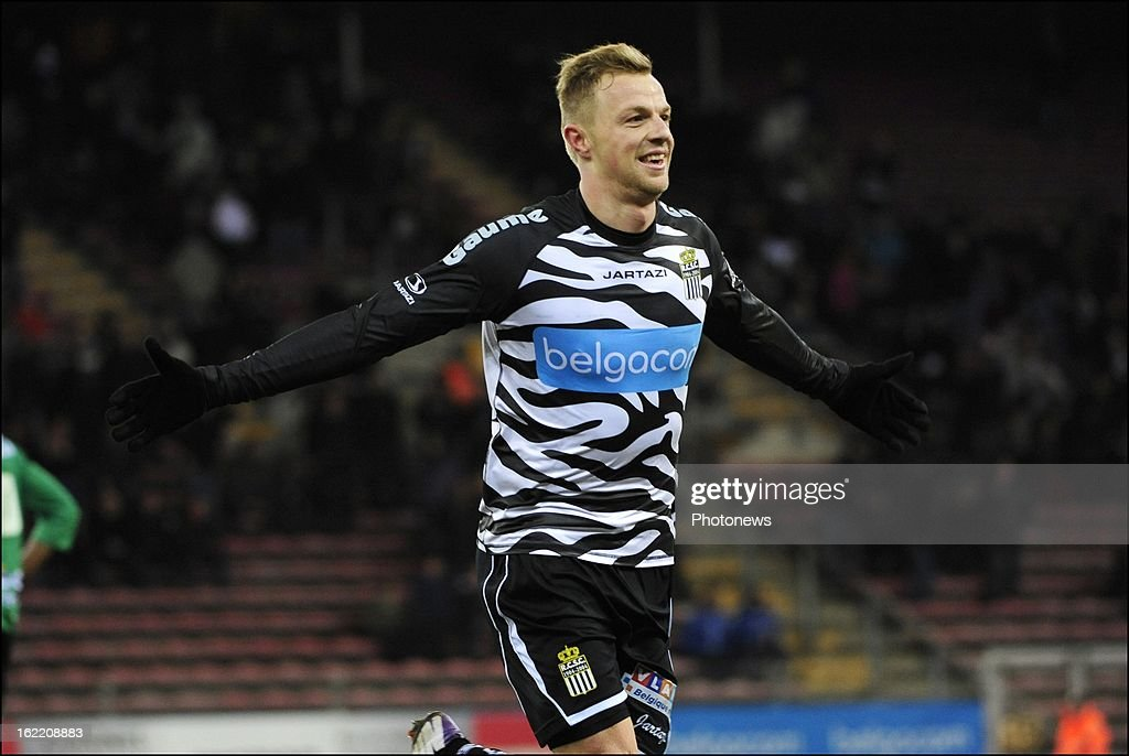 David Pollet of Charleroi celebrates with teammates after scoring pictured during the Jupiler League match between R.C.S.Charleroi vs Cercle Brugge on Febuary 20 in Charleroi, Belgium.