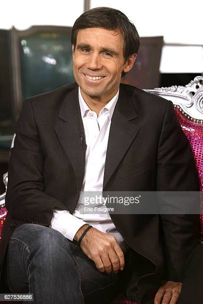 David Pujadas on the set of TV show 'On en Parle a Paris'