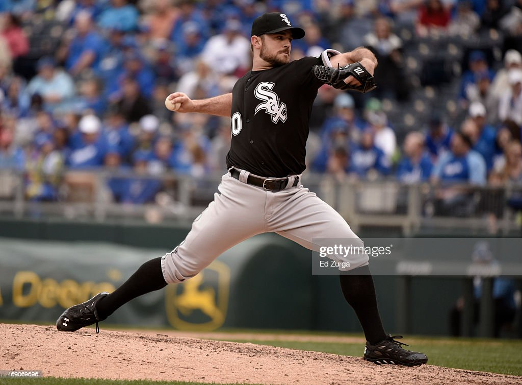 David Robertson #30 of the Chicago White Sox throws in the eighth inning against the Kansas City Royals on April 9, 2015 at Kauffman Stadium in Kansas City, Missouri.