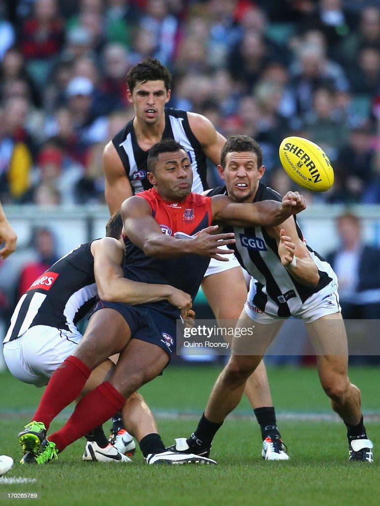 AFL Rd 11 - Melbourne v Collingwood