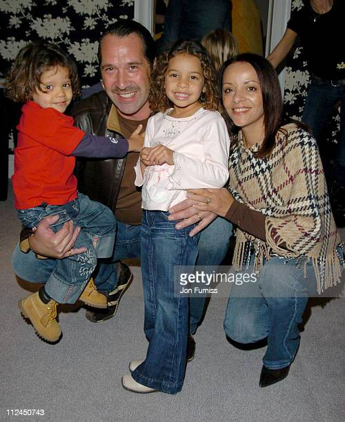 David Seaman with daughter's Georgina and Robbie and wife Debbie