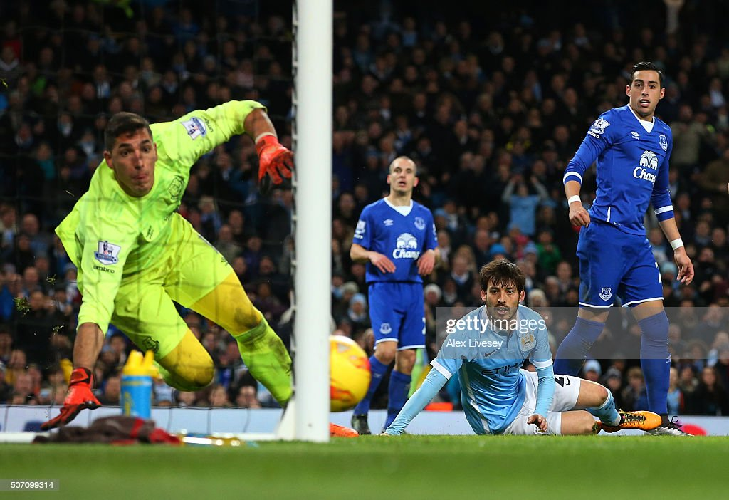 David Silva of Manchester City looks on as his header hits the post during the Capital One Cup Semi Final, second leg match between Manchester City and Everton at the Etihad Stadium on January 27, 2016 in Manchester, England.