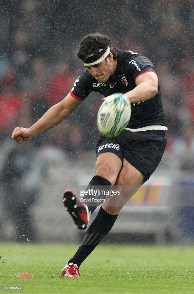 <a gi-track='captionPersonalityLinkClicked' href=/galleries/search?phrase=David+Skrela&family=editorial&specificpeople=596534 ng-click='$event.stopPropagation()'>David Skrela</a> of Toulouse converts a try during the Heineken Cup quarter final match between Biarritz Olympic and Toulouse at Estadio Anoeta on April 10, 2011 in San Sebastian, Spain.