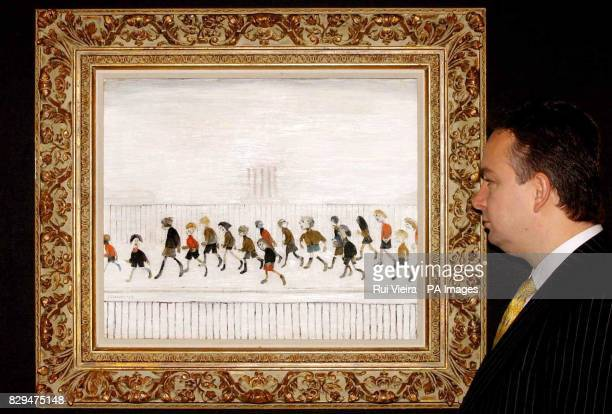 David Smith Managing Director for Neptune Fine Art Ltd admires LS Lowry's 'Children Running' A collection of thirteen pieces by the British painter...