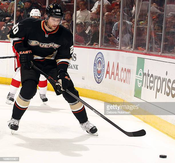 David Steckel of the Anaheim Ducks handles the puck against the Detroit Red Wings in Game Five of the Western Conference Quarterfinals during the...