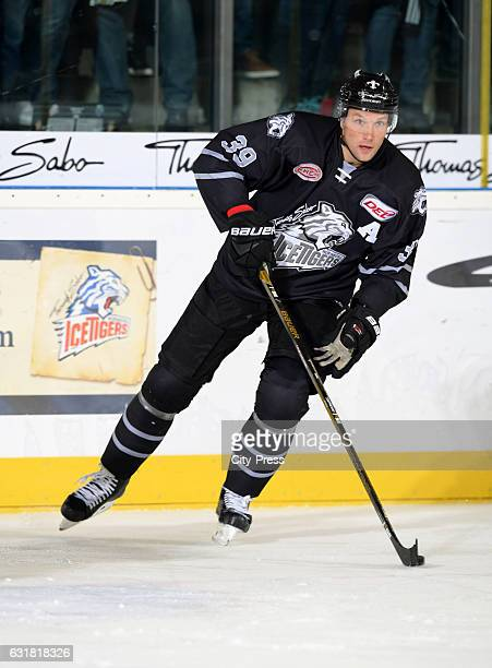 David Steckel of the Thomas Sabo Ice Tigers Nuernberg handles the puck during the action shot on october 3 2016 in Nuernberg Germany