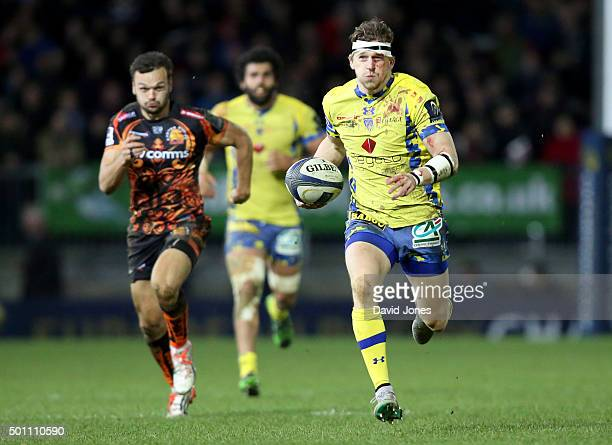 David Strettle of Clermont Auvergne breaks against Exeter Chiefs during the European Rugby Champions Cup match between Exeter Chiefs and Clermont...