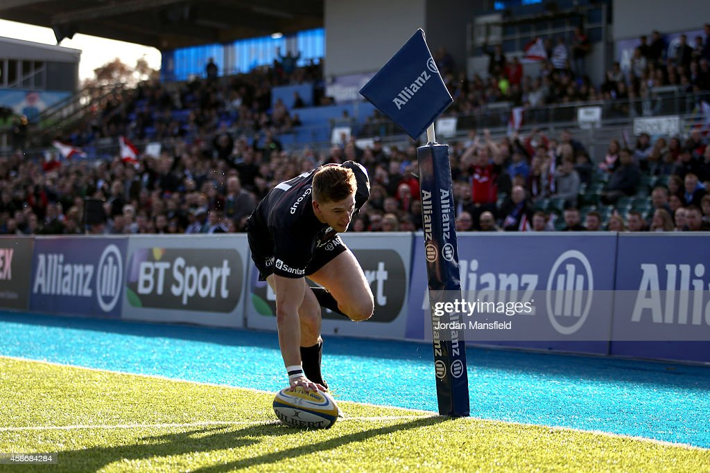 David Strettle of Saracens comes in to score a try during the match between Saracens and DHL Western Province at Allianz Park on November 9 2014 in...