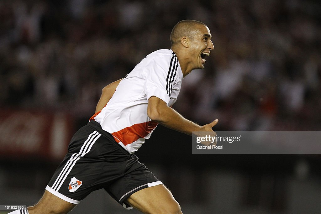 <a gi-track='captionPersonalityLinkClicked' href=/galleries/search?phrase=David+Trezeguet&family=editorial&specificpeople=212945 ng-click='$event.stopPropagation()'>David Trezeguet</a> of River Plate celebrates a goal during the match between River Plate and Estudiantes of Torneo Final 2013 on February 17, 2013 in Buenos Aires, Argentina.